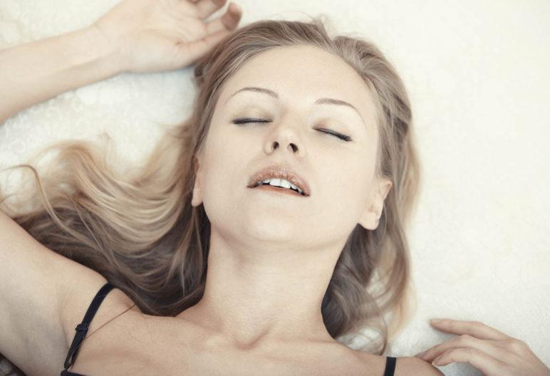 Durant notre sommeil, notre position influence le fonctionnement de notre corps (iStock)